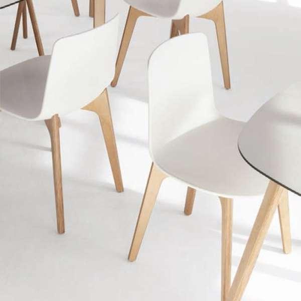 Chaise design en polypropylène et piètement bois Lottus - 4