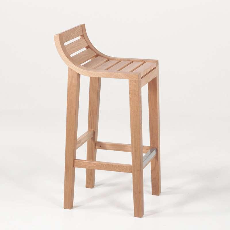 tabouret de bar ou snack contemporain en ch ne assise bois 4 pieds tables chaises et tabourets. Black Bedroom Furniture Sets. Home Design Ideas