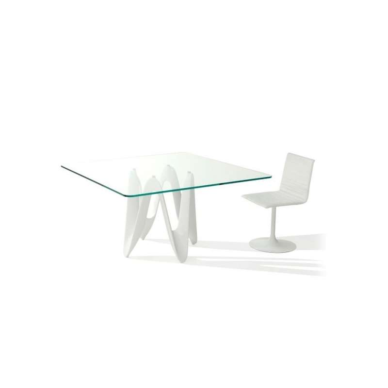 Table basse carree design verre for Table salle a manger carree design en verre