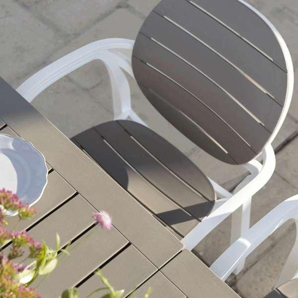 Fauteuil de jardin en polypropylène blanc et taupe - Palma - 8