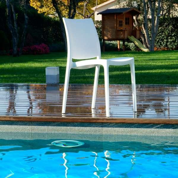 chaise de jardin en polypropyl ne maya 4 pieds tables chaises et tabourets. Black Bedroom Furniture Sets. Home Design Ideas