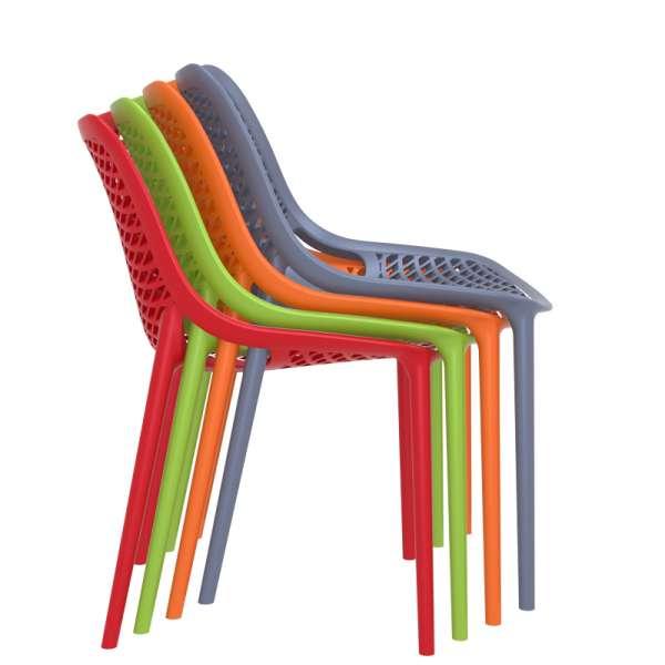 Chaise de jardin moderne ajourée en polypropylène empilable - Air - 23