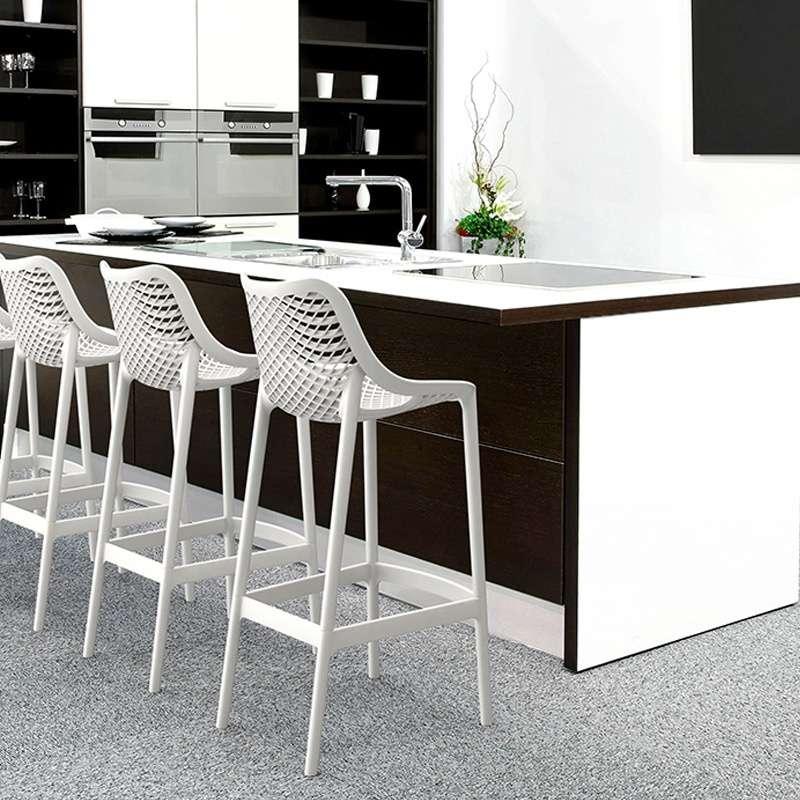 Tabouret empilable en polypropyl ne air 4 pieds tables chaises et tabourets - Tabouret plastique empilable ...