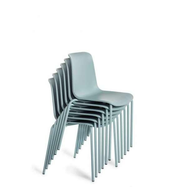 Chaise empilable en polypropylène et métal - Paris 5 - 6