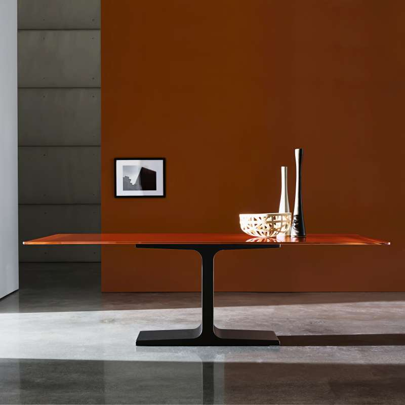 Table salle a manger design pied central maison design for Salle a manger en verre design