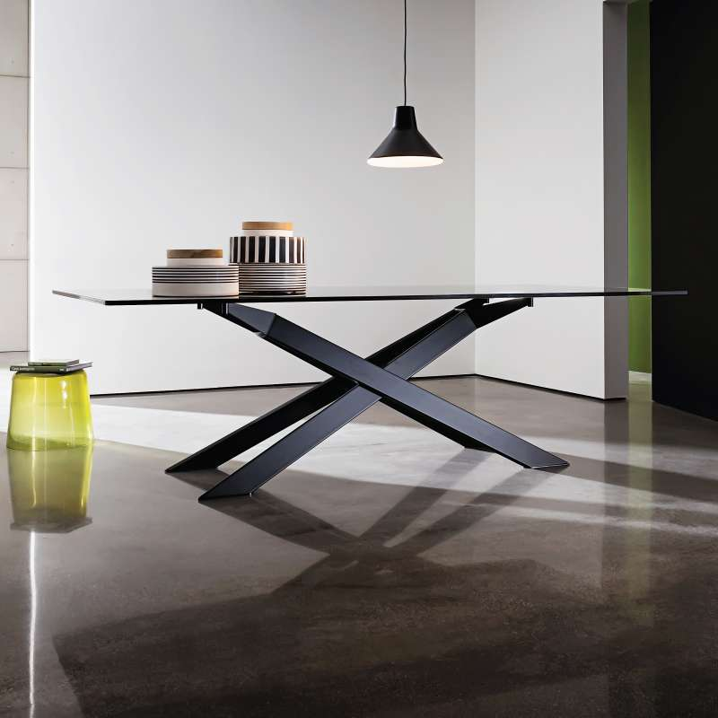 Table de salle manger design en verre et m tal cross for Table de sejour design