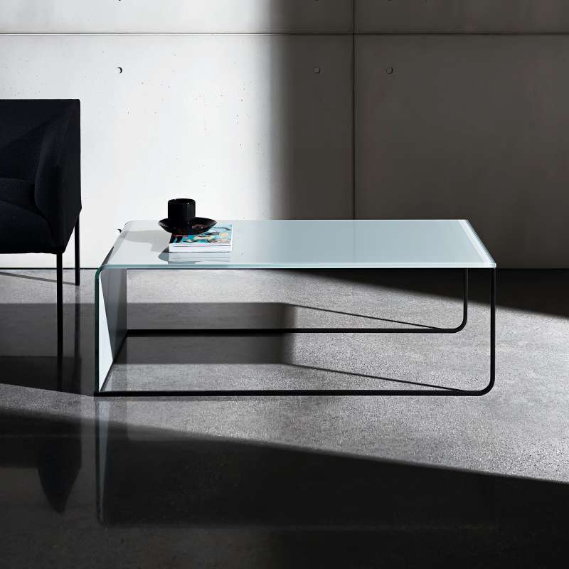 table basse gigogne en verre nido 4 pieds tables. Black Bedroom Furniture Sets. Home Design Ideas