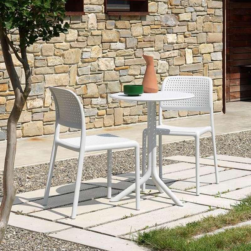 Chaise de jardin en polypropyl ne bora bistrot 4 pieds tables chaises - Chaise bistrot aluminium jardin ...