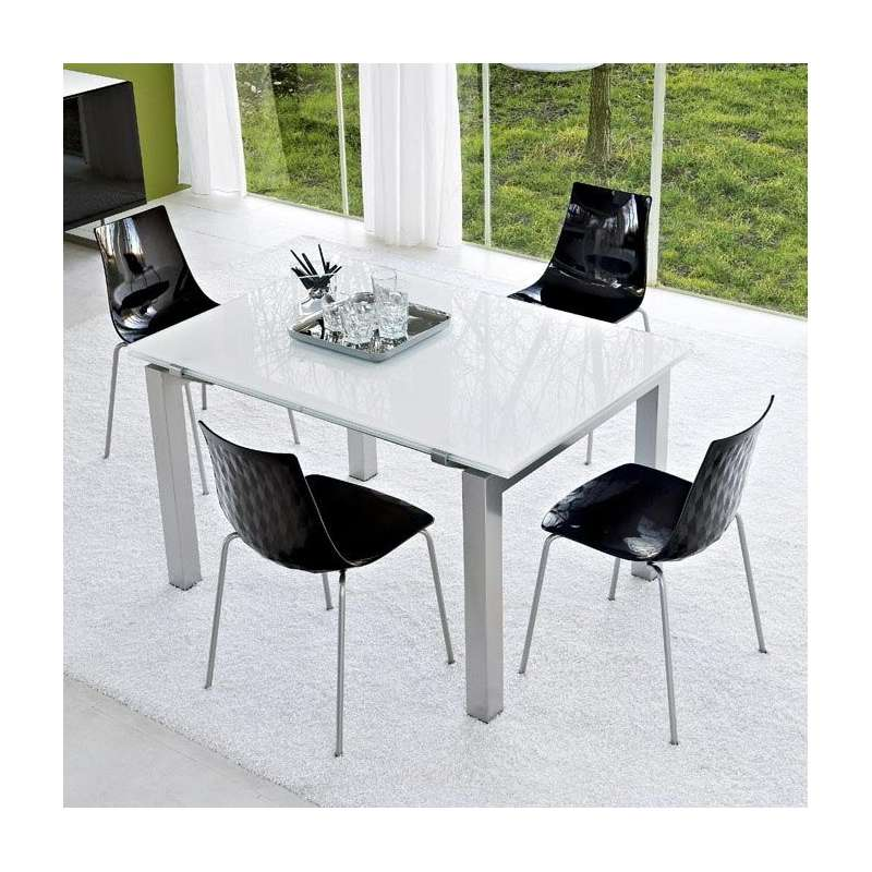 Table en verre design airport calligaris 4 pieds for Table design 4 pieds