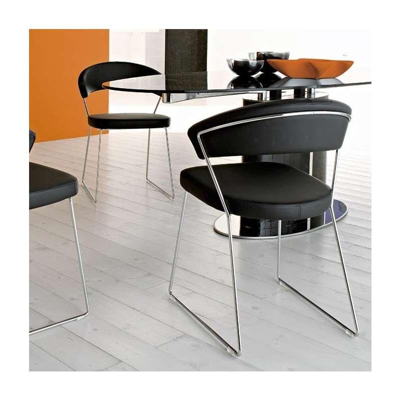 chaise design en m tal cuir new york calligaris 4 pieds tables chaises et tabourets. Black Bedroom Furniture Sets. Home Design Ideas