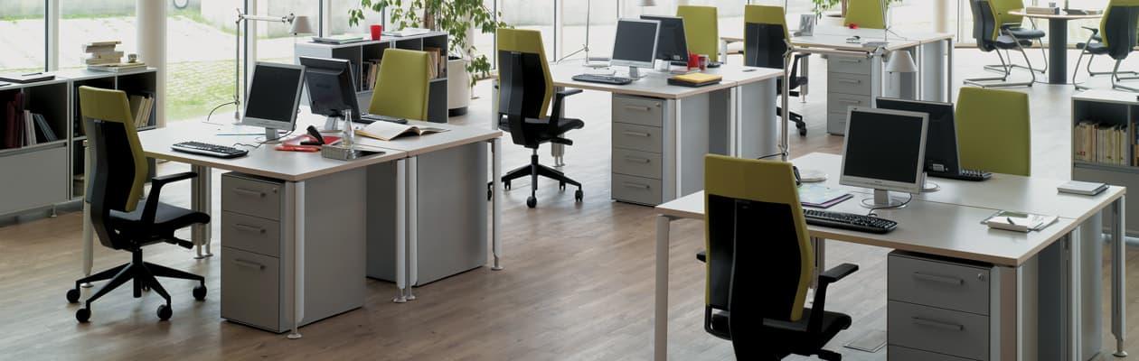 mobilier bureau professionnel salle de r union et salle de pause 4 pieds tables chaises et. Black Bedroom Furniture Sets. Home Design Ideas