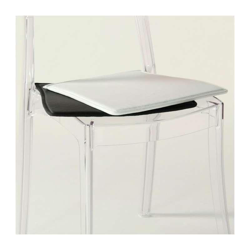 Chaise moderne m daillon en polycarbonate opaque for Table de salle a manger design roche bobois