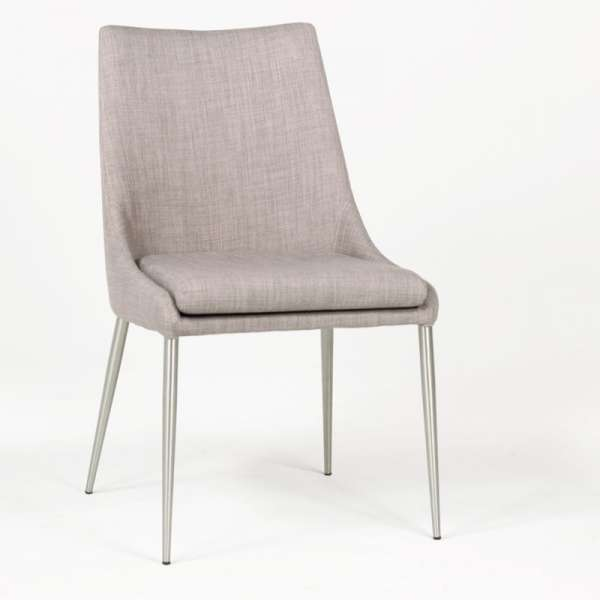 Chaise moderne en tissu debby 4 pieds tables for Chaise qui s accroche a la table