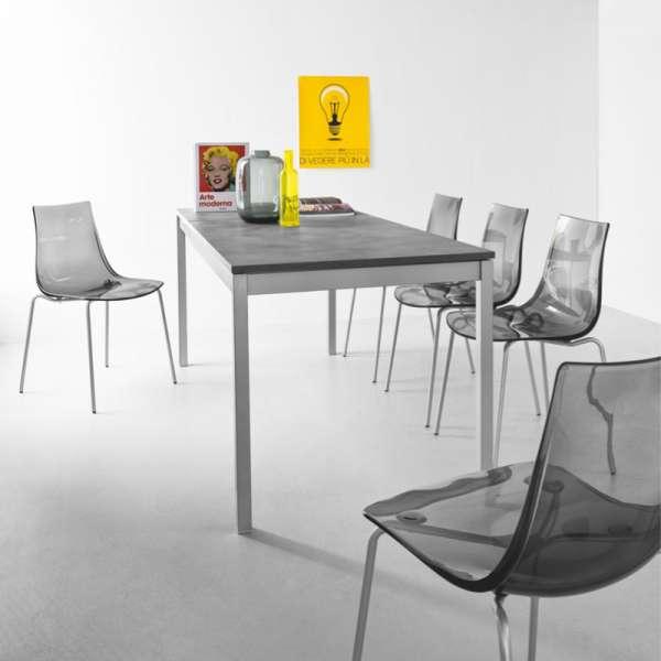 Chaise design en m tal et plexi led 4 pieds tables for Chaise design plexi