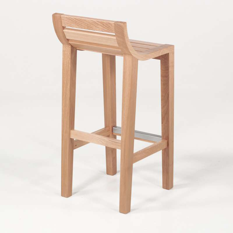 tabouret de bar ou snack contemporain en bois massif ref. Black Bedroom Furniture Sets. Home Design Ideas