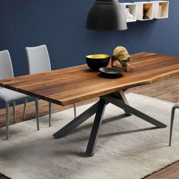 Table design en bois pechino midj 4 pieds tables chaises et tabourets - Table ovale design pied central ...