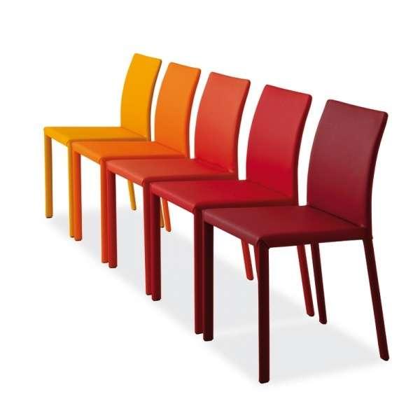 chaise en cro te de cuir kiris 4 pieds tables chaises et tabourets. Black Bedroom Furniture Sets. Home Design Ideas