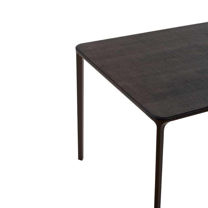 Table design en bois slim sovet 4 pieds tables for Table design 4 pieds