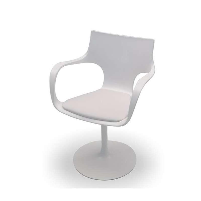 Chaise design pivotante avec accoudoirs fl te sovet 4 for Chaise 4 pieds design