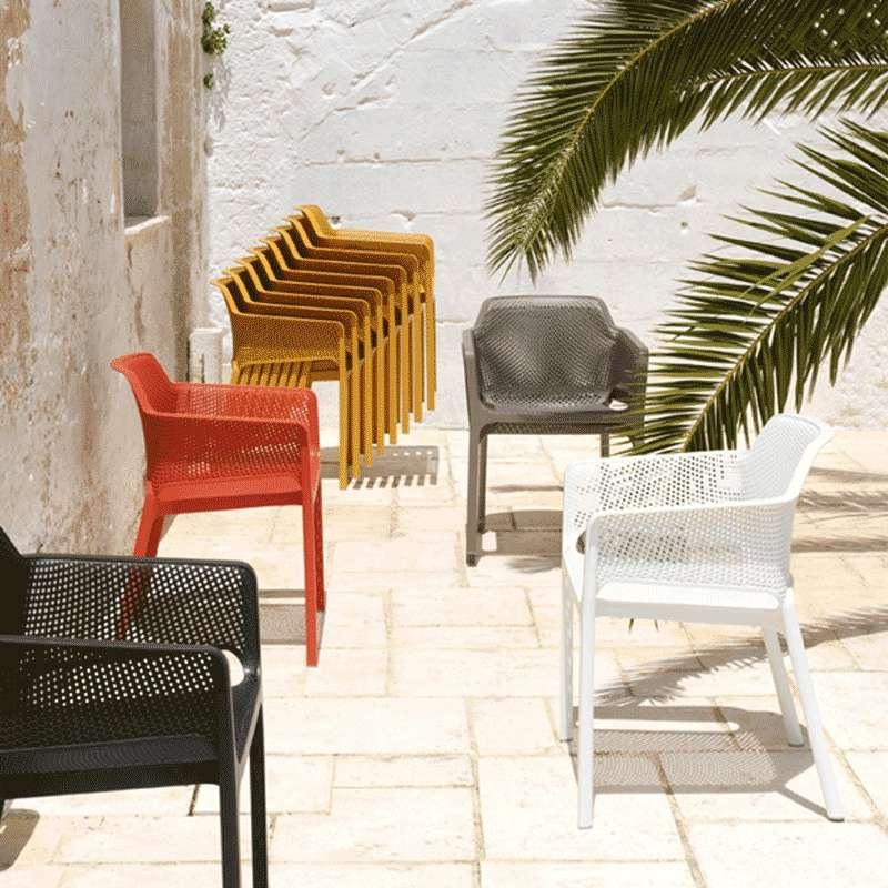 Fauteuil de terrasse moderne en polypropyl ne net 4 for Jardin synonyme