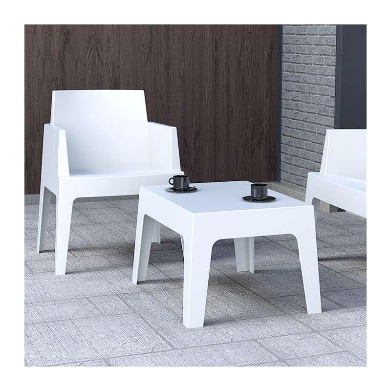Salon de jardin en polypropyl ne box 4 pieds tables for Salon jardin polypropylene