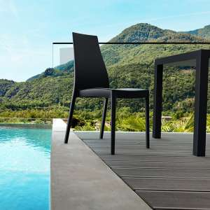 4 pieds vente de tables chaises et tabourets. Black Bedroom Furniture Sets. Home Design Ideas