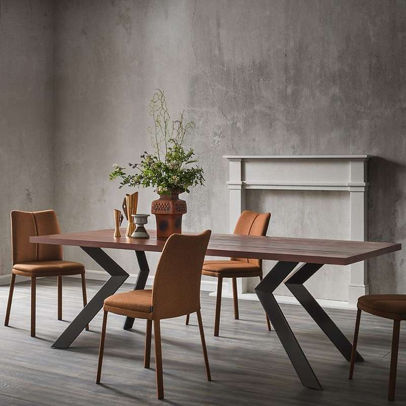 table design en m lamin et m tal mix 4 pieds tables chaises et tabourets. Black Bedroom Furniture Sets. Home Design Ideas