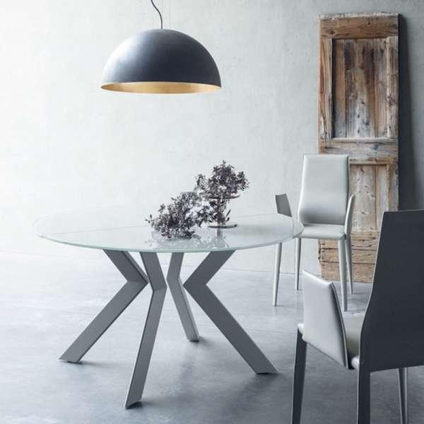 Table ronde design extensible en verre extralight blanc et métal - Vale