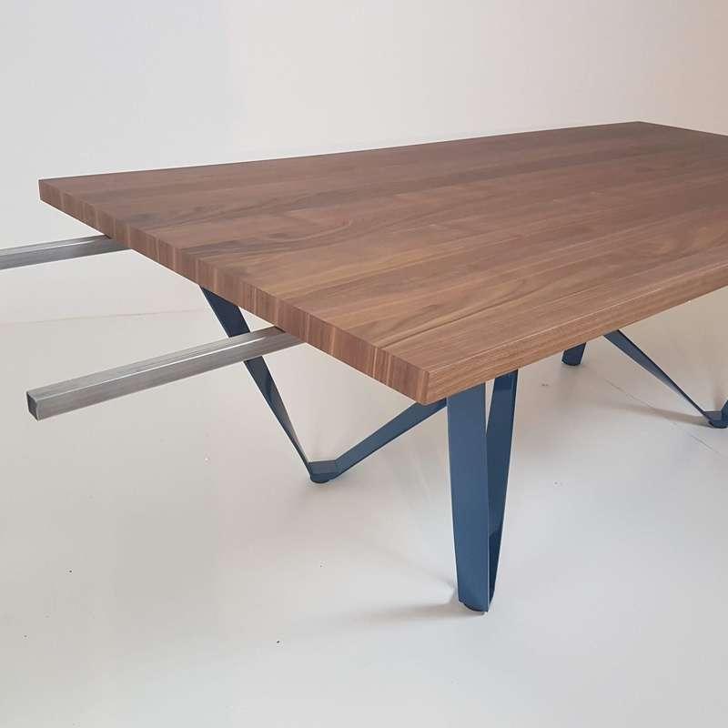 Table Design Extensible Avec Pied En Metal Wave 4 Pieds Com