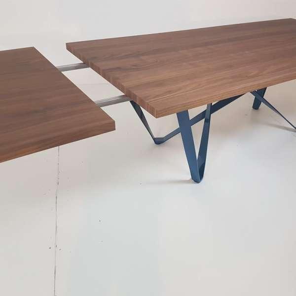 Table design extensible en m tal et bois wave 4 pieds tables chaises e - Table carree bois metal ...