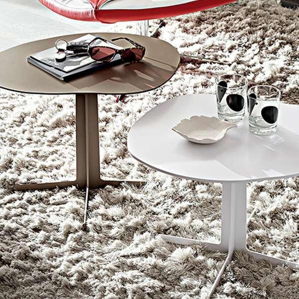 table basse moderne en metal. Black Bedroom Furniture Sets. Home Design Ideas