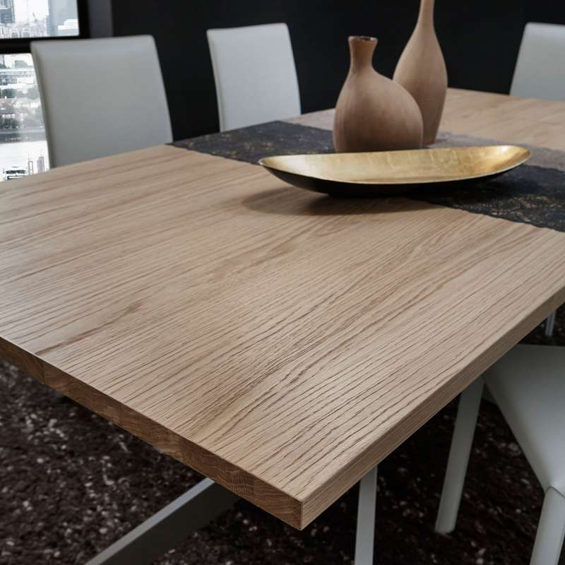 Table de salle manger design extensible en stratifi for Table salle a manger 4 pieds