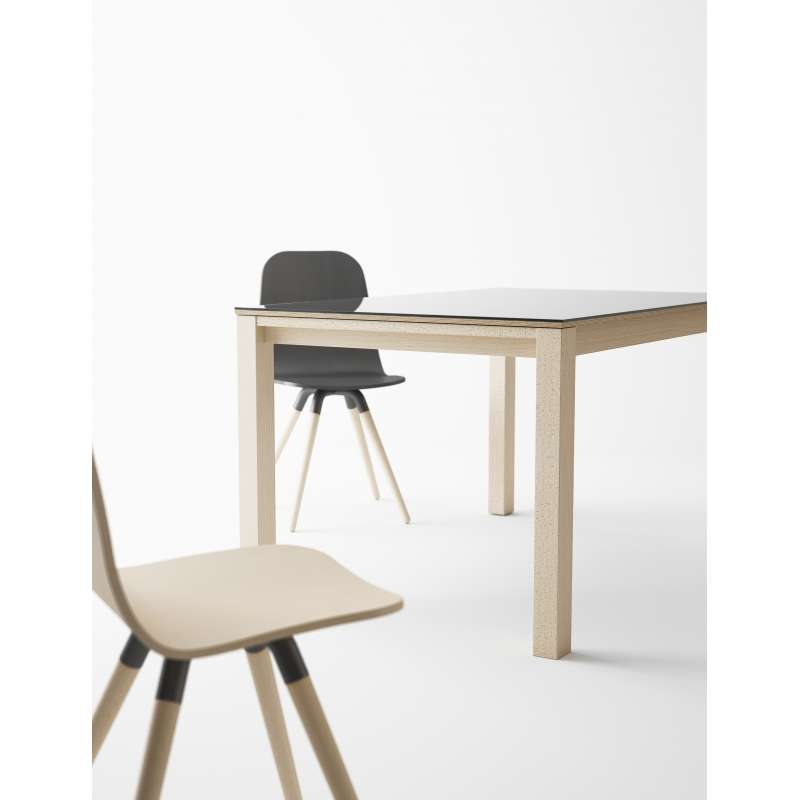 Table moderne en verre extensible quadra 4 pieds for Table extensible 4 chaises