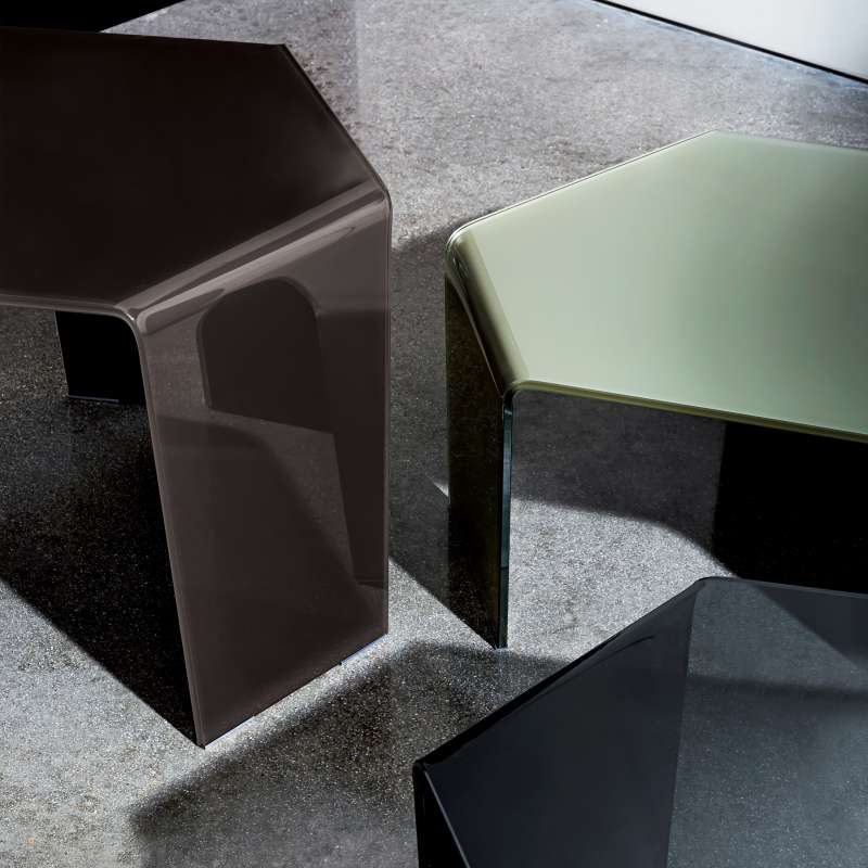 table basse design en verre 3 feet sovet 4 pieds. Black Bedroom Furniture Sets. Home Design Ideas