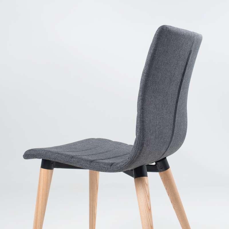 chaise scandinave en tissu et bois doris 4 pieds. Black Bedroom Furniture Sets. Home Design Ideas