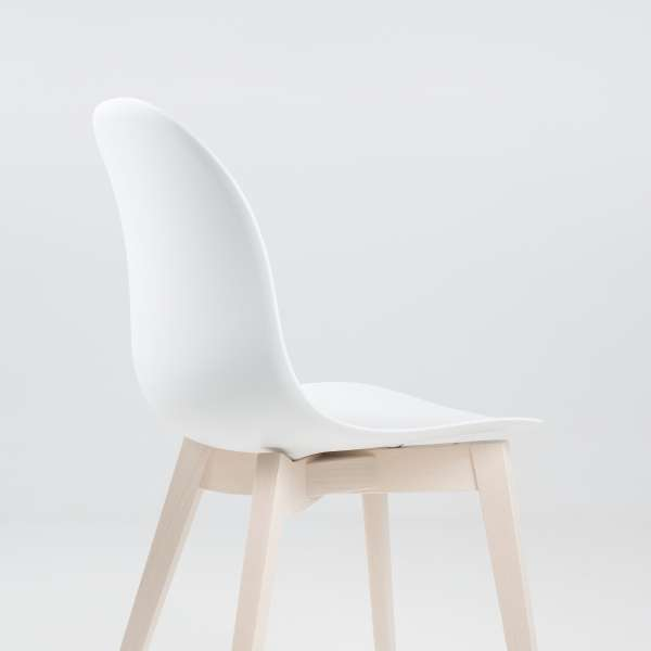 chaise scandinave en polypropyl ne et bois 1665 academy connubia 4. Black Bedroom Furniture Sets. Home Design Ideas