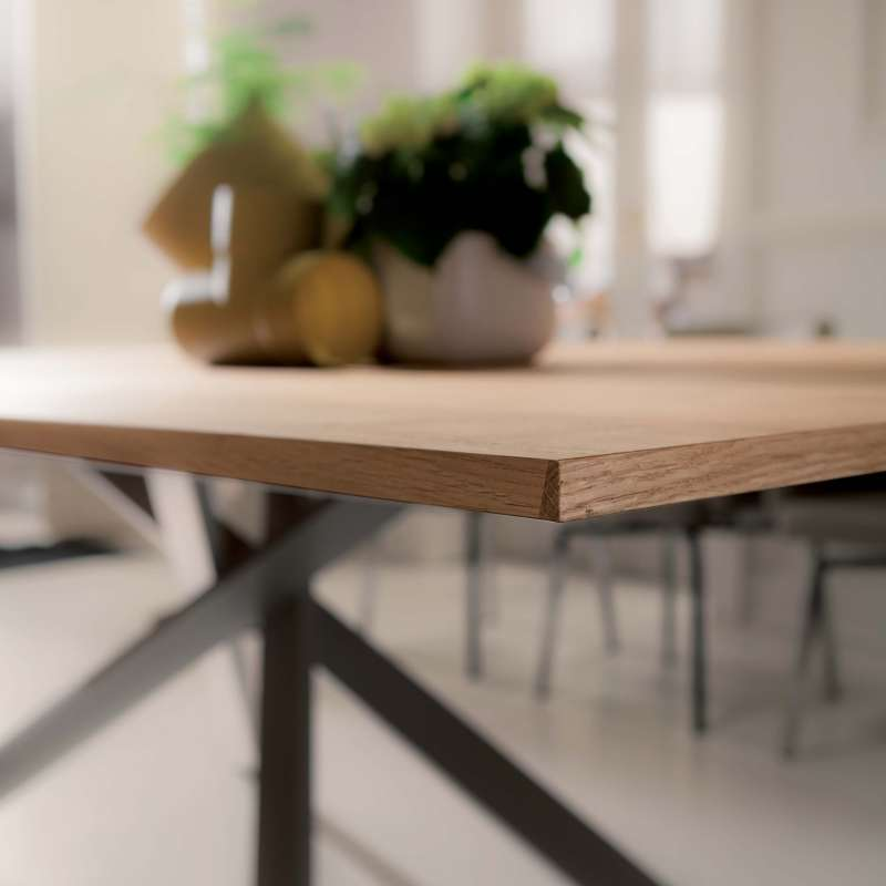Table design extensible rectangulaire en bois et m tal for Table rectangulaire bois avec allonges