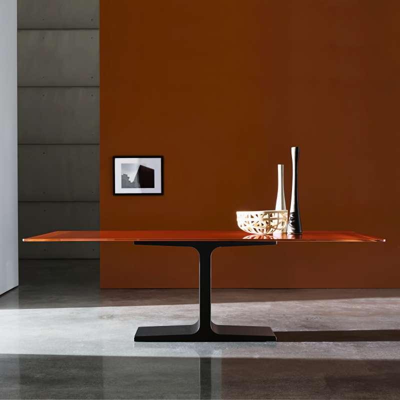 Table de salle manger design rectangulaire en verre for Pied de table de salle a manger design