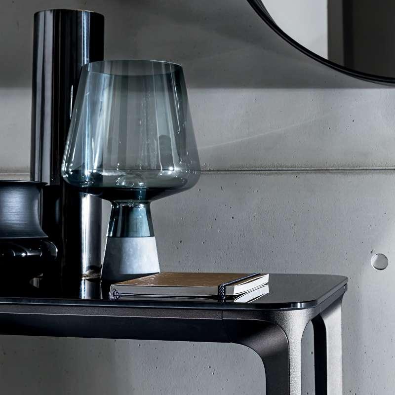 console design en verre slim sovet 4 pieds tables. Black Bedroom Furniture Sets. Home Design Ideas