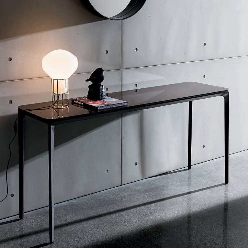 console design en verre slim sovet 4 pieds tables chaises et tabourets. Black Bedroom Furniture Sets. Home Design Ideas