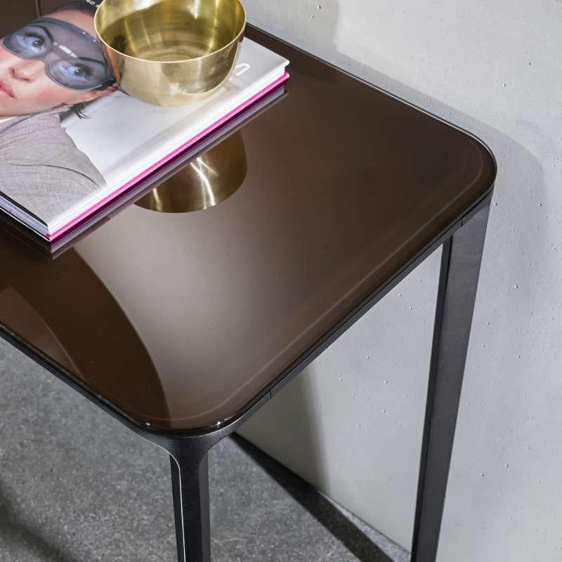 console design en verre faible profondeur slim sovet 4 pieds tables chaises et tabourets. Black Bedroom Furniture Sets. Home Design Ideas