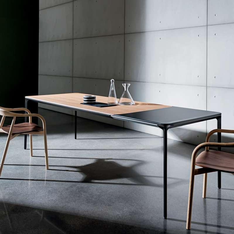Table design extensible en bois slim sovet 4 pieds for Table extensible en largeur