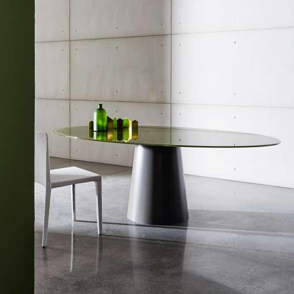 Table ovale design en verre totem sovet 4 pieds - Table ovale en verre design ...