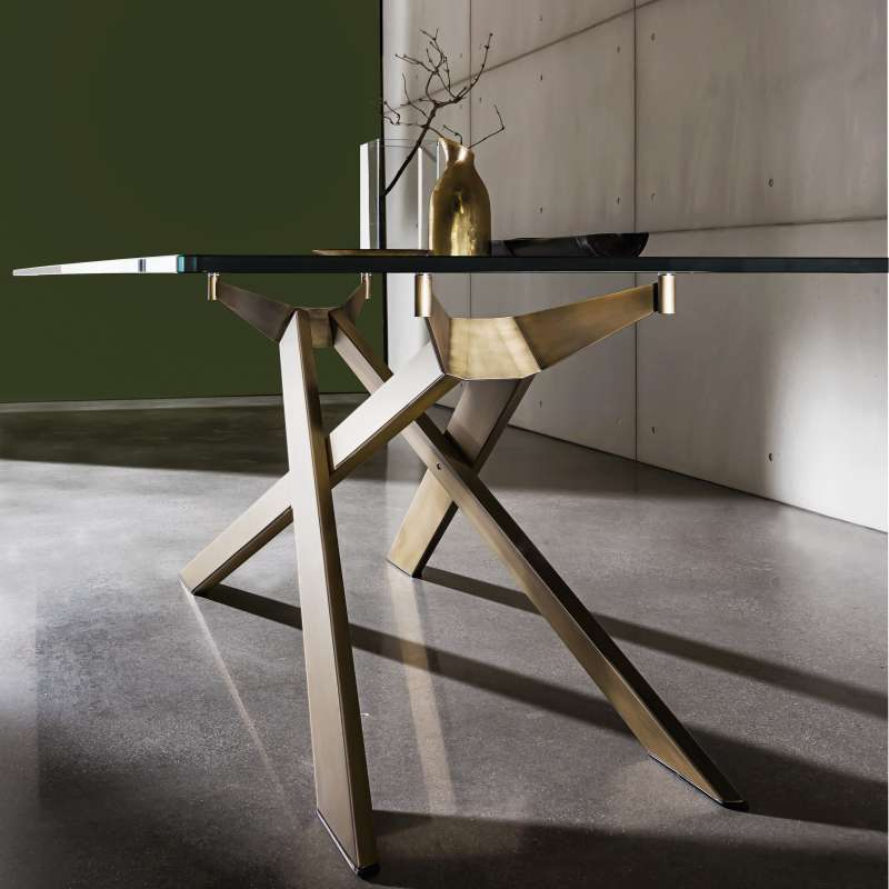 table de salle manger design en verre et m tal cross sovet 4. Black Bedroom Furniture Sets. Home Design Ideas