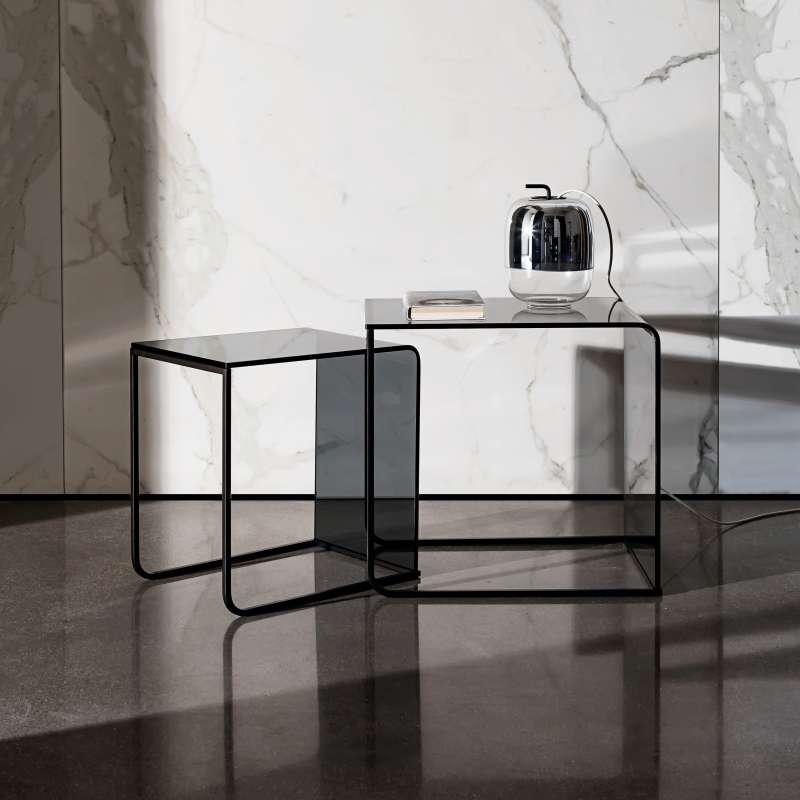 table basse gigogne en verre nido 4 pieds tables. Black Bedroom Furniture Sets. Home Design Ideas