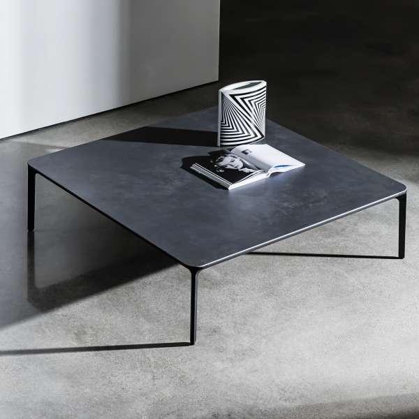 table basse carr e en c ramique slim 4 pieds tables. Black Bedroom Furniture Sets. Home Design Ideas