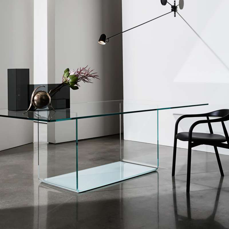 Table de salle manger design en verre valencia sovet for Table de salle a manger design en verre