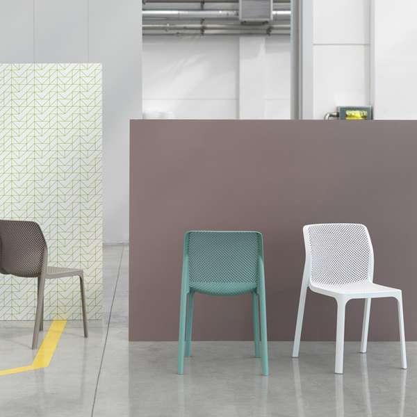 Chaise moderne empilable en polypropylène - Bit