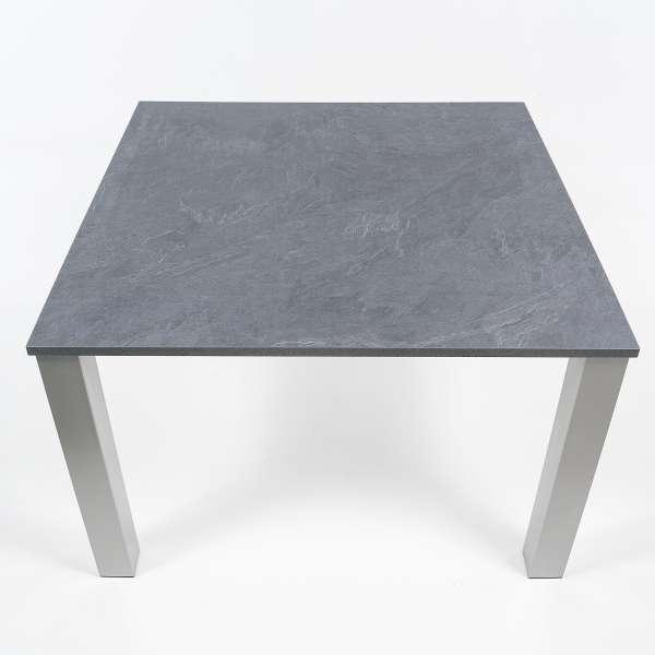 table de cuisine carr e en stratifi et m tal quinta 4 pieds tables chaises et tabourets. Black Bedroom Furniture Sets. Home Design Ideas