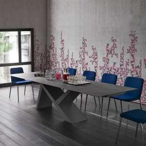 Table design extensible en céramique anthracite et bois laqué gris cendre - Ikarus big